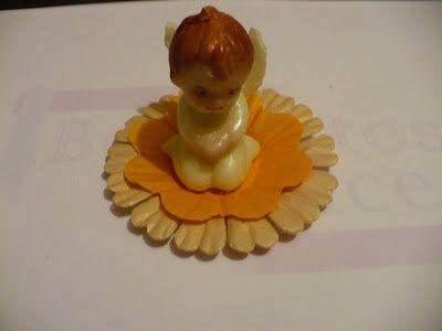 Angelito de chocolate . http://bocaditosdedulce.blogspot.com/