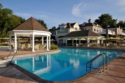 Swimming country and swimming pools on pinterest - Club mahindra kandaghat swimming pool ...