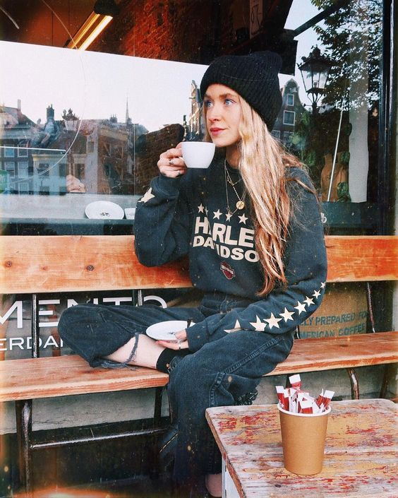 """9,146 curtidas, 132 comentários - Olivia. (@oliviabynature) no Instagram: """"Coffee coffee ☕️ = happy Liv"""""""