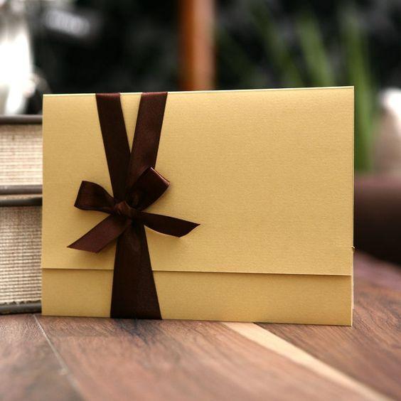 Convite de Casamento Marrom com Dourado