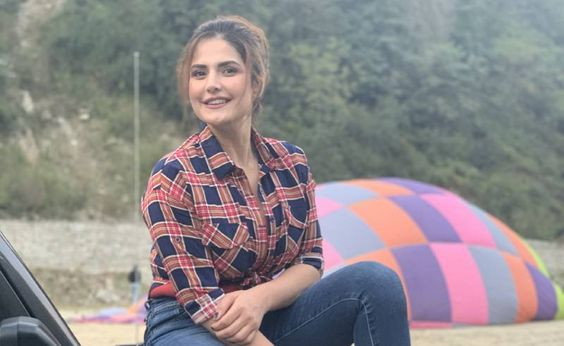 Zareen Khan makes her TV debut with AXN's Jeep Bollywood Trails
