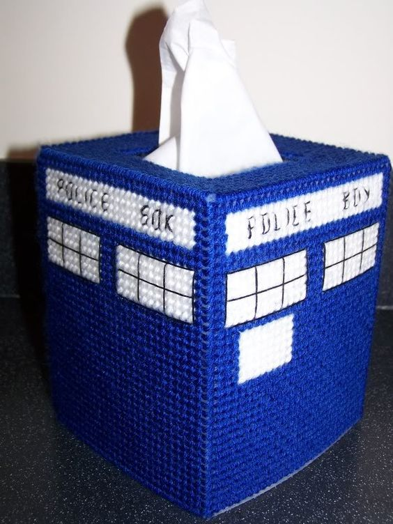 Acrylic Box Tutorial : I am plastic canvas and tissue box covers on