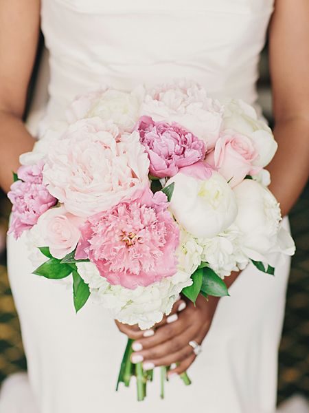 White and pink hydrangea, rose and peony wedding bouquet  #Traditional #BlushBride