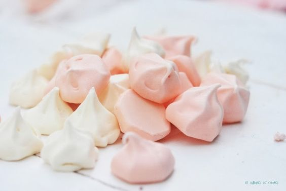 Meringue kisses (recipe in Spanish) #baking #recipes