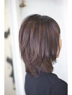 ミディアムウルフ 美髪 ヘアスタイル 髪型