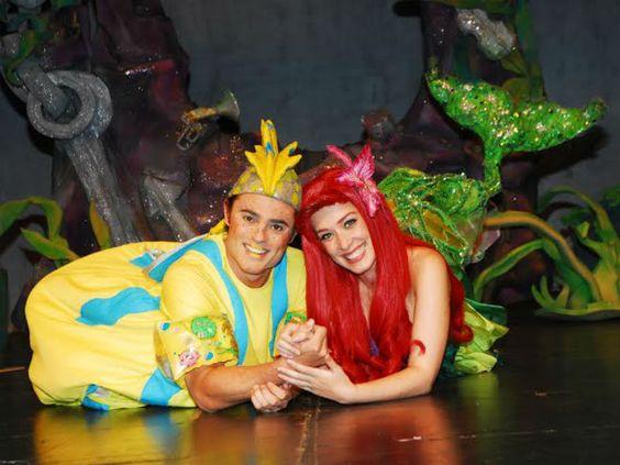 """O espetáculo """"A Pequena Sereia"""" fica em cartaz no Teatro Maria Della Costa até 31 de maio. E você, leitor do Catraca Livre, paga apenas R$ 10* para assistir (o valor original do ingresso é de R$ 40)."""