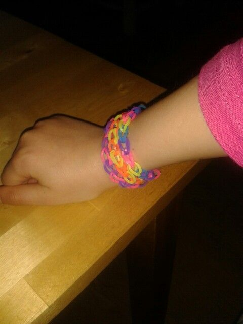 My daughters first Loom bracelets ;-)
