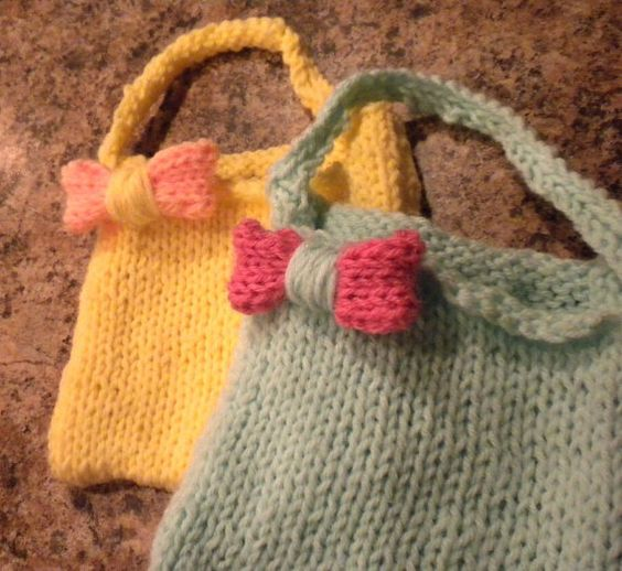 Little girls purse with bow - great for Easter!