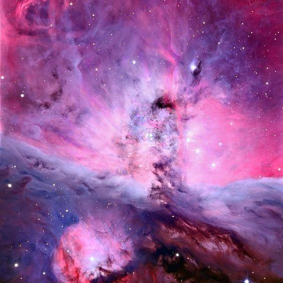 獵戶座星雲的中心,它實際上位於我們自己的星系內:銀河系。 它是如此明亮,你可以用肉眼看到它。 它是300萬年,12光年。 距離地球1344光年。 圖片:©亞利桑那大學(Adam Block / amount Lemmon SkyCenter)#space #nasa #stars #galaxy #universe