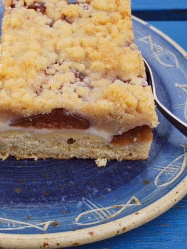 Pflaumenkuchen vom Blech mit Zimtstreuseln - Rezept