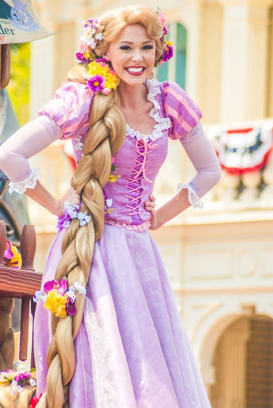 I usually don't pin the Disney actors, but... 1) It's Rapunzel, who can blame me? 2) I love the colors of this cosplay. 3) I was at Disney recently, and this brings me back to my suddenly-missed second home. xD