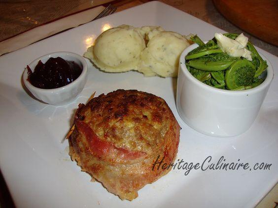 Voici une recette pour faire un mini pain de viande à la dinde avec du bacon. #pain de viande #dinde #bacon