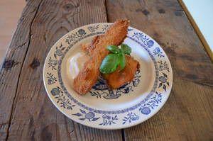 Das klassisches Schnitzel als vegetarische Variante mit frischem Zucchiniaus dem Bauernhof-Garten. Ein sommerlich leichter Genuss.