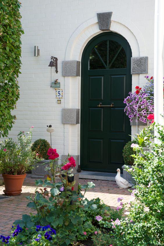 Porte d 39 entr e en pvc couleur vert sapin belisol - Porte d entree pvc couleur bois ...