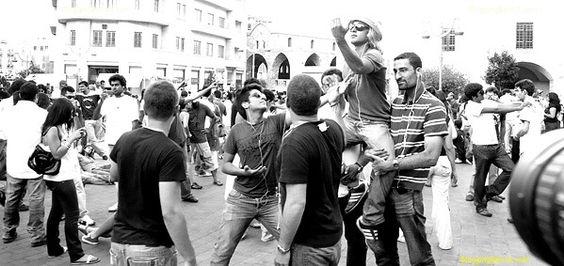 http://static.tumblr.com/cptfjqh/LuOm14q4k/flashmob1s.jpg