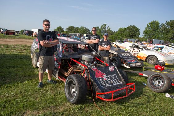 UCM SAE & alumnus built and are winning with the UCM B-mod stock race car.