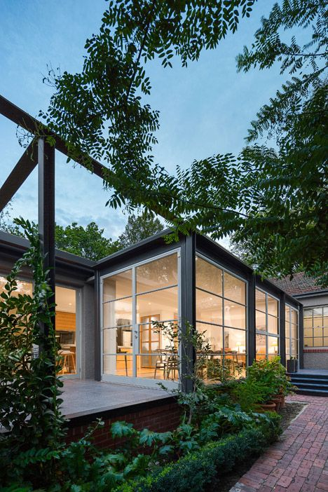 Cox architecture adds steel and glass conservatory to for Architecture 1920