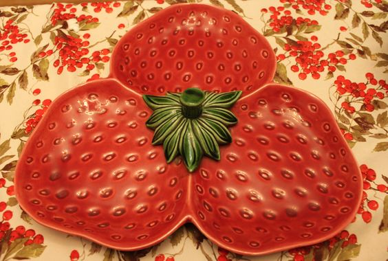 strawberry 3 part serving dish dish