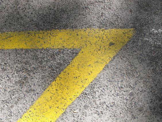 gelbe street art