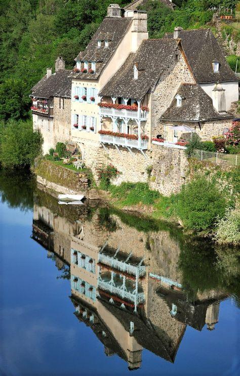 Maison D Hotes A Vendre En Correze Argentat Vue Sur La Riviere Dordogne Correze Visite France Paysage Insolite