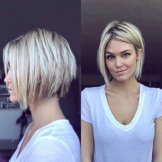 Short blonde haircut. Kort blond kapsel