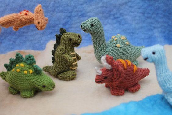 Baby Dinosaur Knitting Pattern : Knitted dinosaurs Dinosaurs