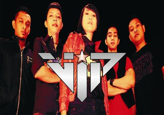 Download dan Dengarkan lagu VIP BAND di ReverbNation