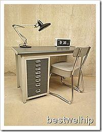 Fantastisch vroeg jaren 50 industrieel stalen bureau van for Stalen ladenblok