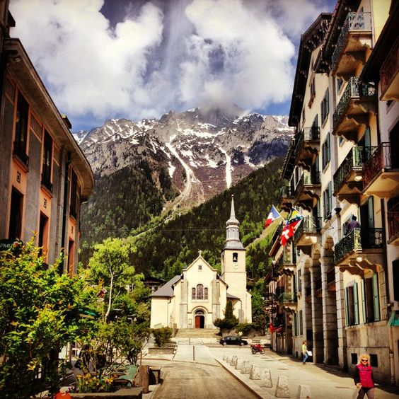Mont Blanc, Chamonix, France. Would give anything to go back :)                                                                                                                                                      Más