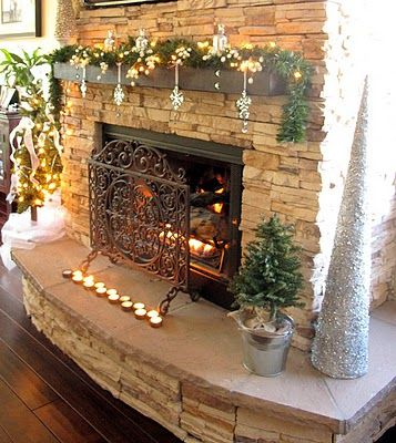 Christmas Mantel--tutorial : Fireplace Idea, Christmas Fireplace, Fireplace Mantels, Christmas Decorations, Decorating Ideas, Christmas Mantles, Christmas Mantels, Fireplace Mantel Decorations