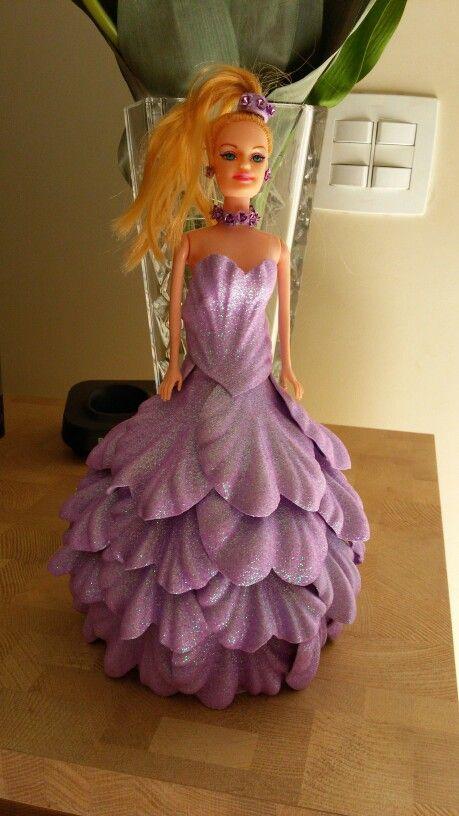 Boneca com vestido em E.V.A