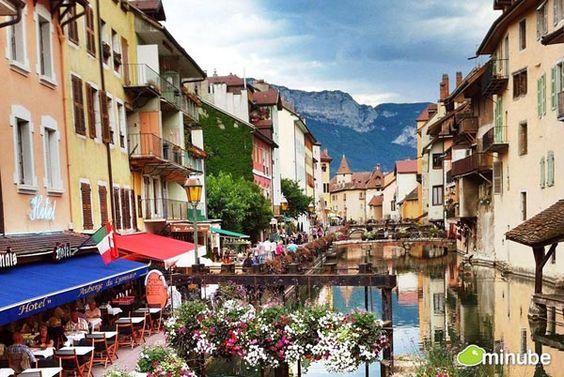 Thăm những thị trấn Pháp mơ màng như tranh