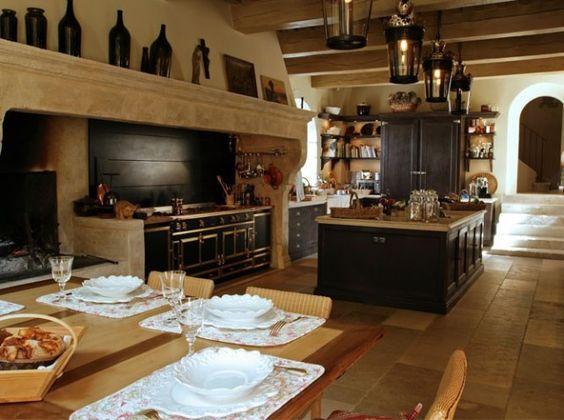 Une belle et grande cuisine pour recevoir cuisines la - Plaque de marbre pour cuisine ...