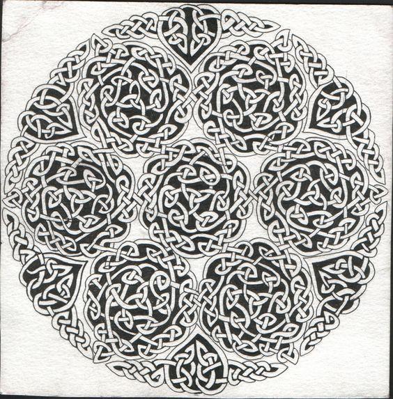 http://img00.deviantart.net/1a52/i/2004/264/6/d/celtic_knot_by_ginganic.jpg