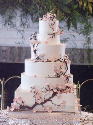 gâteau japoniasant aux fleurs de cerisier - cherry blossom wedding cake