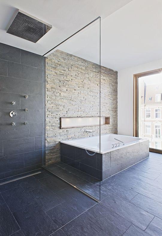 Maren Grosse Schieferplatten Badezimmer Finde Ich Zu Dunkel Und Kalt Salle De Bain Tendance Salle De Bain Design Deco Salle De Bain Toilette