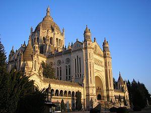 Basílica de Santa Teresa. Lisieux, França.