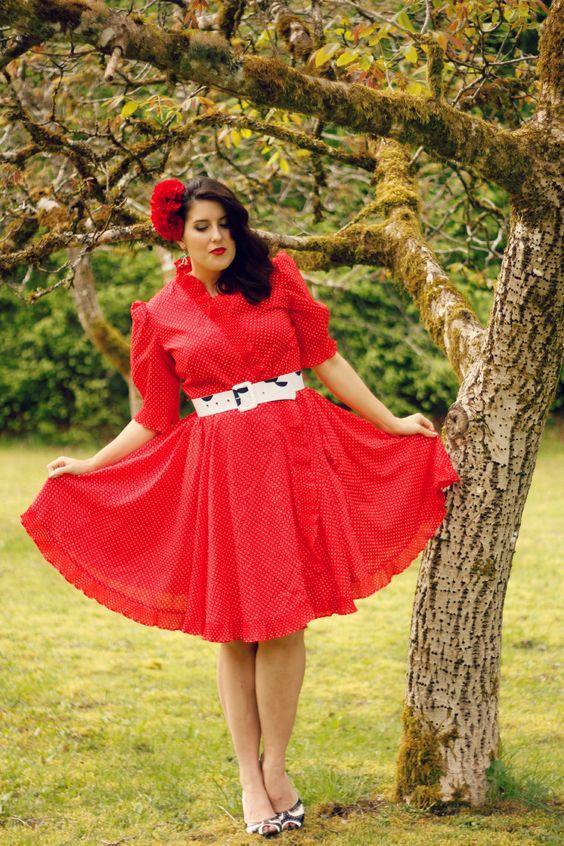 Vintage polka dot maternity wear   https://shapedbystyle.wordpress.com