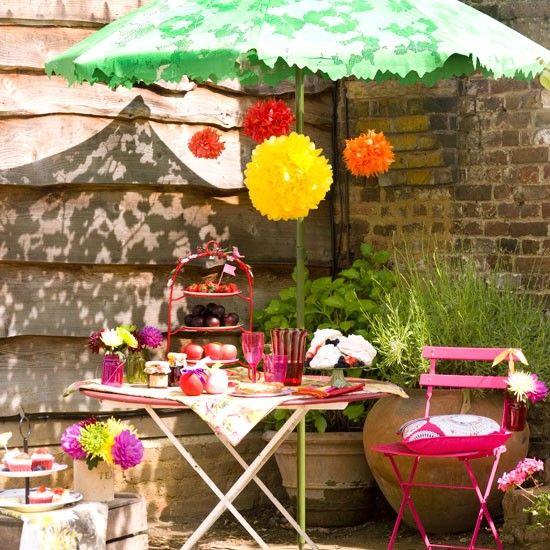 Summer garden with picnic table   Garden ideas   Picnic table   Parasol   Image   Housetohome