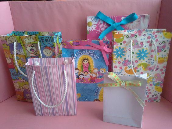 Les muestro como hacer una bolsa de papel para regalo - Como hacer bolsas de regalo ...