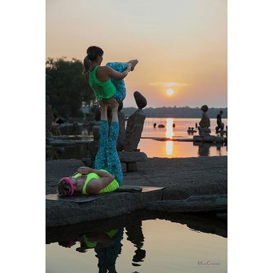 Another beautiful capture from local photographer Mark Coomber. We love the amount of talent in this city!  #Sunset #MyOttawa #Canada #PartnerYoga #FitCouple #Fitspo #Balance #Strong #Acroyoga #aylifestyle #AcroEverywhere #OttawaYoga #Instayoga #LoveMyDharmaBums #Leggings #Meggings #Trust #Yoga #RemicRapids #SupportLocal #Love #Fun #Smile #SmileyOm #CouplesYoga #Ottawa #AcroyogaOttawa