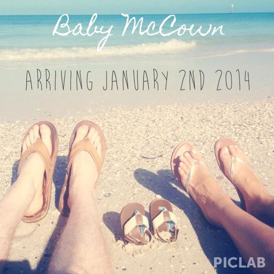 Cute Pregnancy Announcement :) with out the shoes , love the beach part