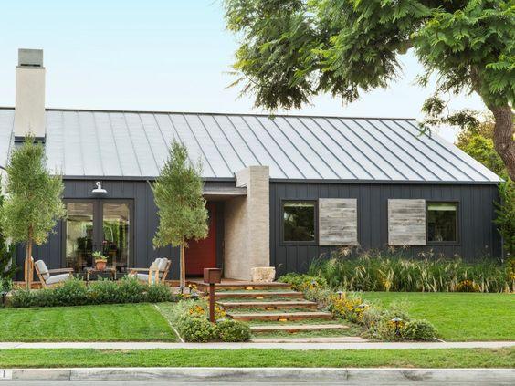 A laid back california house full of cool ideas - Rustic modern farmhouse exterior ...