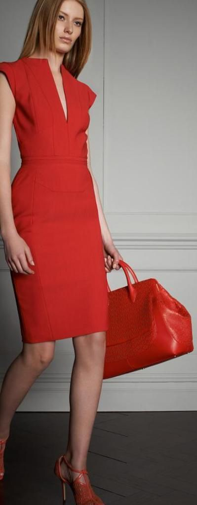 Vestido social super tradicional, mas em cor colorida = modernidade sem perder a adequação!