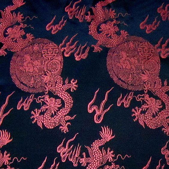 130 x 90 CM !  Herrliche Brokat Stoff gewebt feine Stickerei ! von silk wondeful auf DaWanda.com