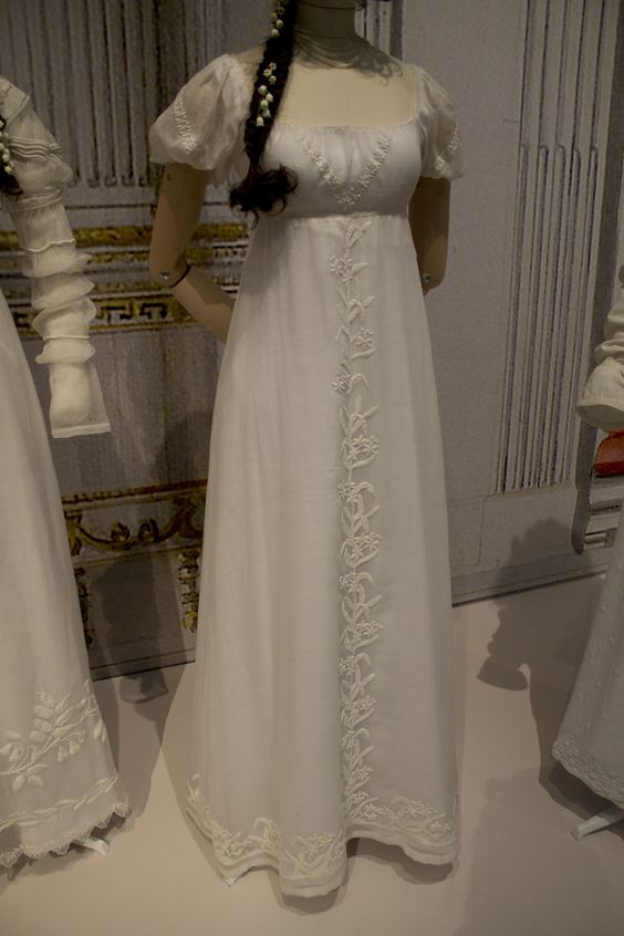 Gemeentemuseum the Hague exhibition on 19th century fashion - Cotton dress 1805