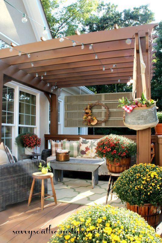 Savvy Southern Style: Bringing the Indoors Out... Fall Deck Tour & Giveaway