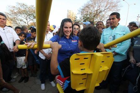 Alcaldesa de Maracaibo inaugura Nuevo Gimnasio y reasfaltado para el Sector Don Bosco @AlcaldiadeMcbo | Diario de Venezuela