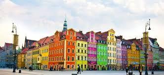 Resultado de imagen de colourful towns