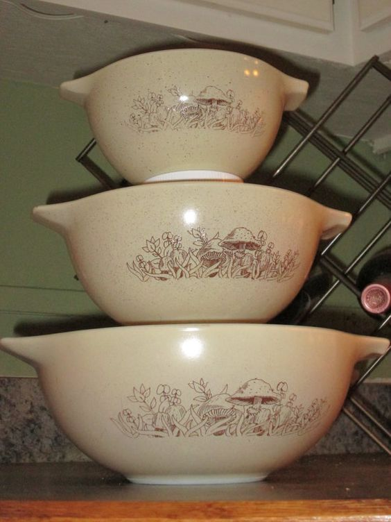 Set of 3 Pyrex Forest Fancies Mixing Bowls 441 by thetrendykitchen, $29.95